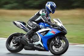 Come scegliere la giusta assicurazione per la moto?