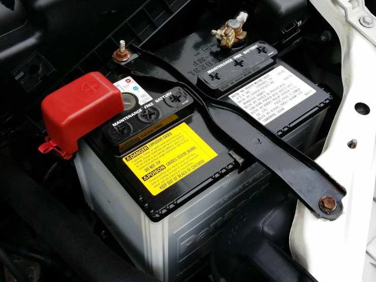 batteria auto problemi