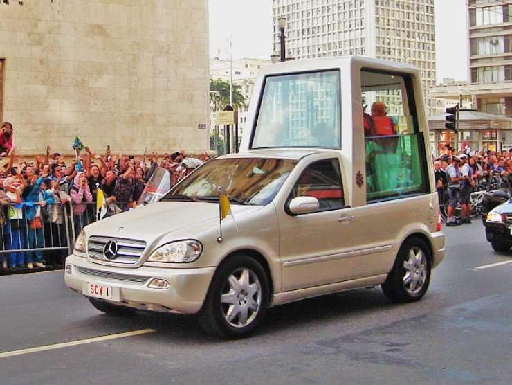 Papa mobile