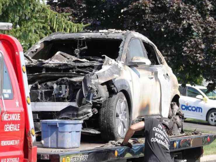 Hyundai Kona in fiamme