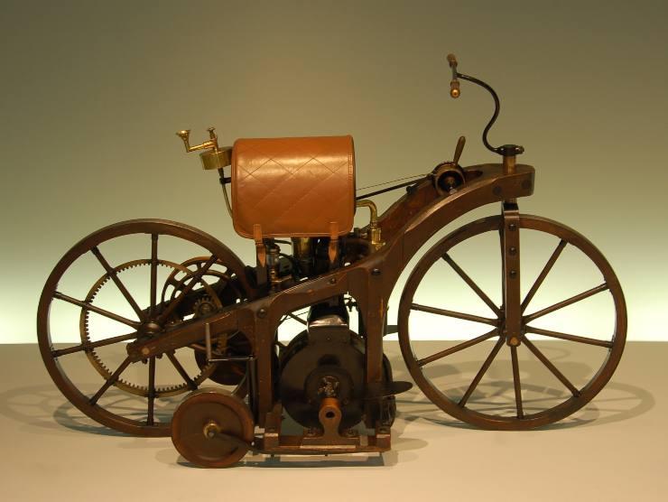 prima moto al mondo