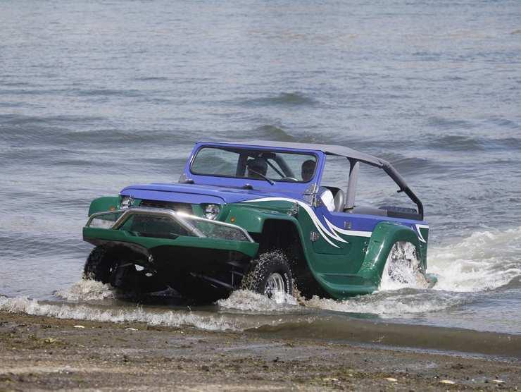 Automobile barca WaterCar