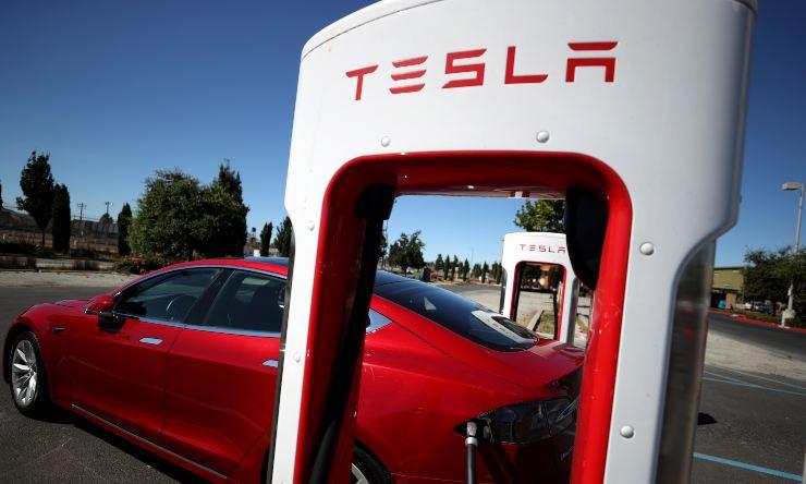 Tesla ricondizionate