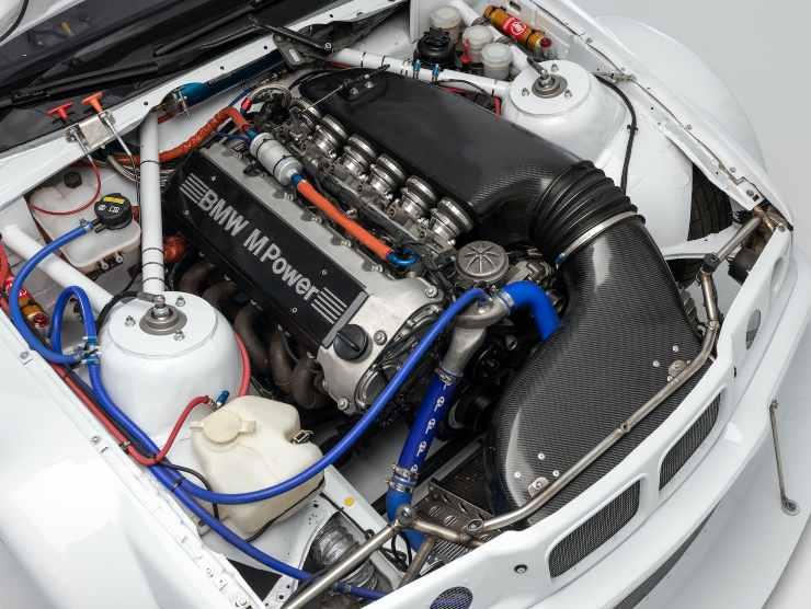 BMW (E36) M3 GTR TRIBUTE RACE CAR