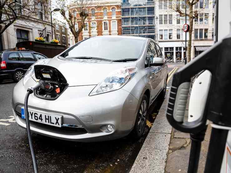 Auto elettriche più economiche endotermiche