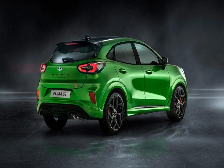 Ford Puma sfida Brands Hatch