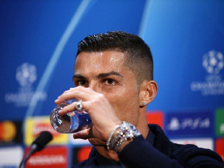 Cristiano Ronaldo acqua