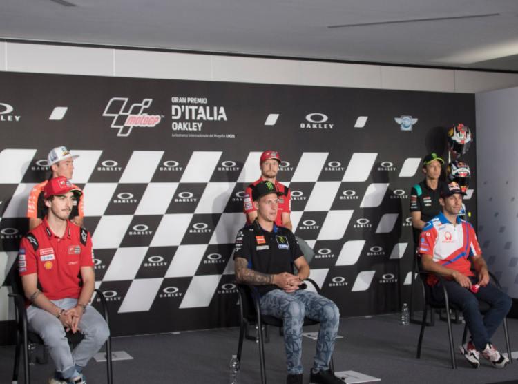 MotoGP patente moto stradale