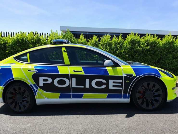 Tesla Model 3 Polizia