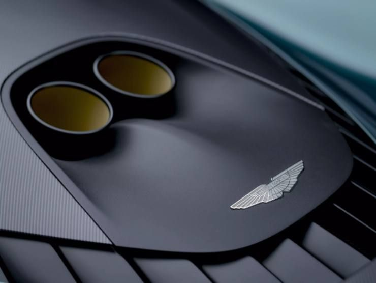 Aston Martin Valhalla 3