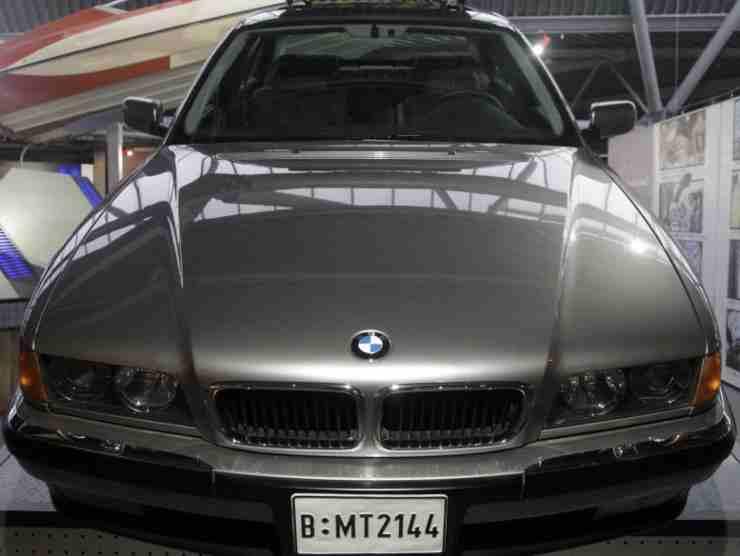 la BMW di Bond