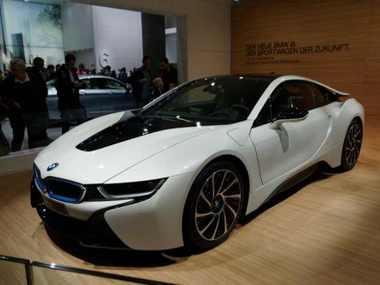 BMW i8 (Wikipedia)