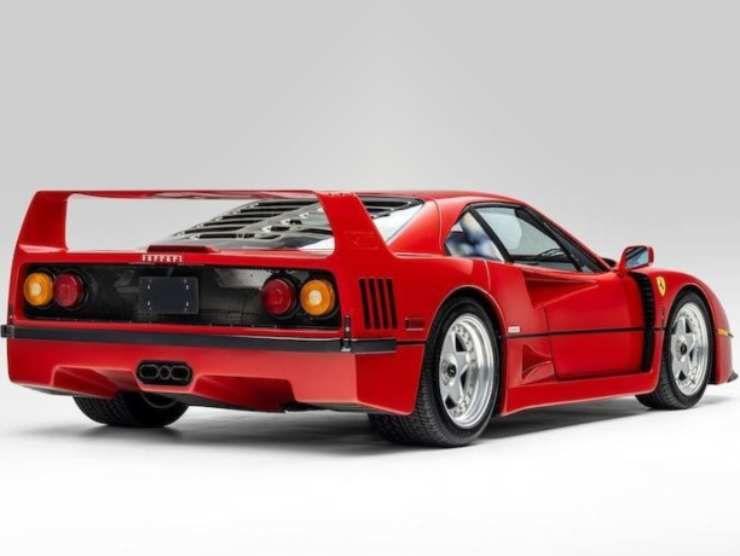 Ferrari F40 in vendita 2