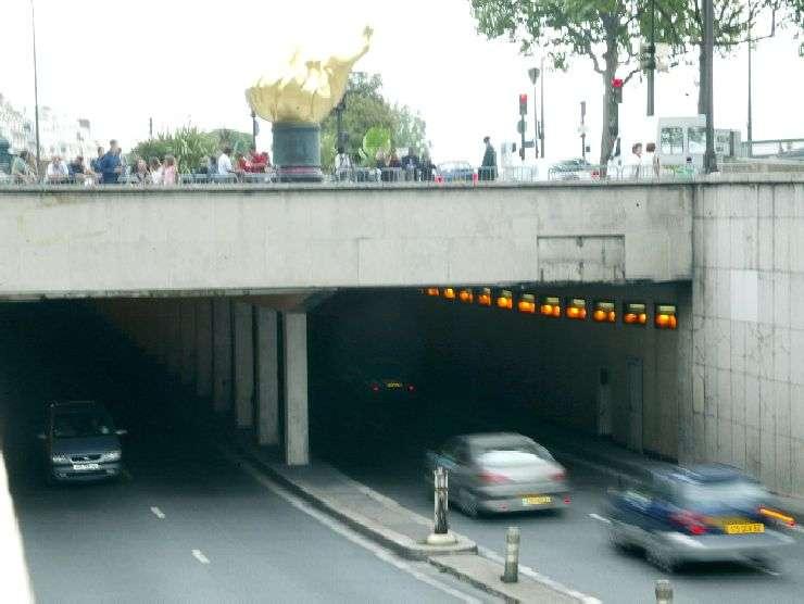 Il tunnel di Parigi dove perse la vita Diana