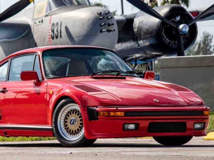 Porsche 930 Turbo (mecum.com)