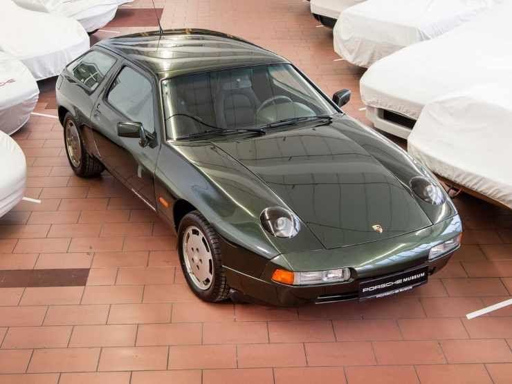 Porsche Panamera (Carscoops)