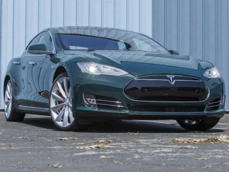 Tesla Tom Hanks in vendita 2
