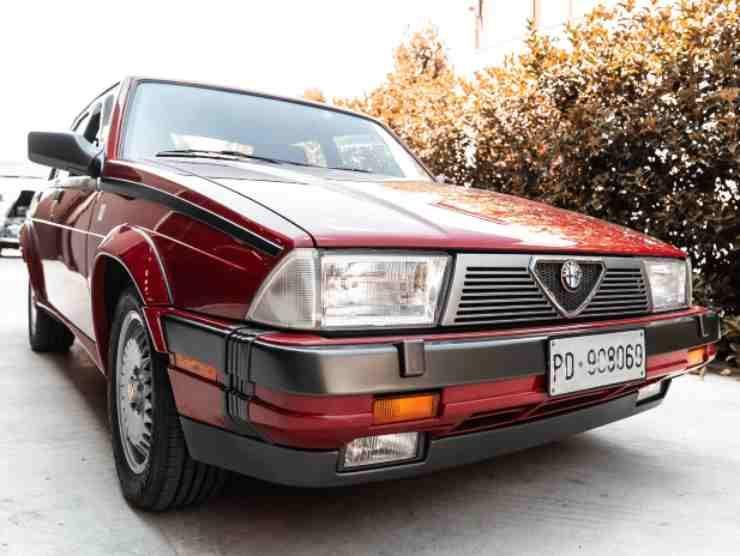 Alfa Romeo 75 in vendita 2