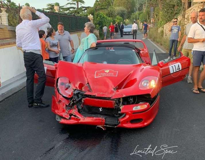 Ferrari-F50-Cavalcade-2019-crash
