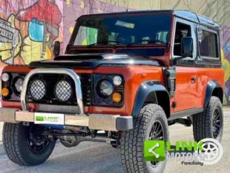 Land Rover Defender (Ebay)