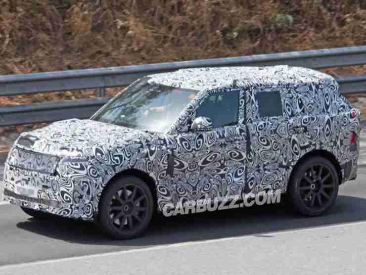 Range Rover Sport SVR (Carbuzz) 2