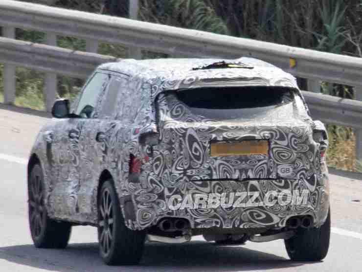 Range Rover Sport SVR (Carbuzz) 3