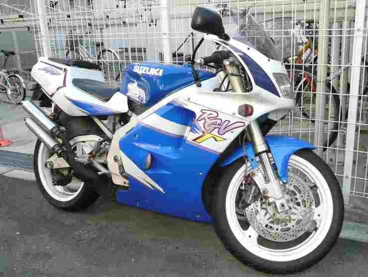 Suzuki RG250 Gamma (Wikipedia)