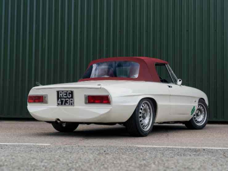 Alfaholics Spider (Collecting Cars) 3