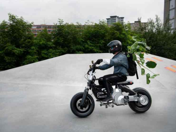 BMW Concept CE 02 (BMW) 2
