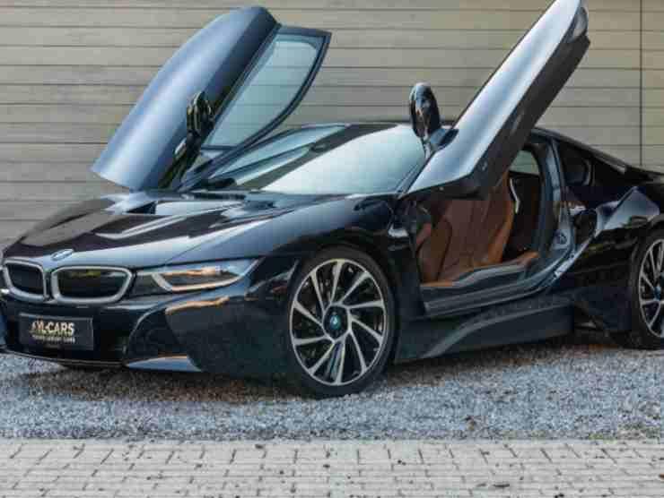 BMW I8 (James Edition)