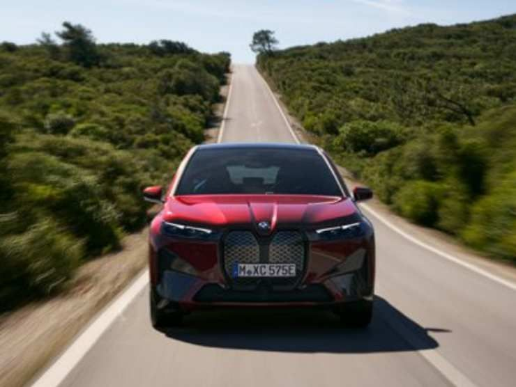 BMW iX (BMW) 3