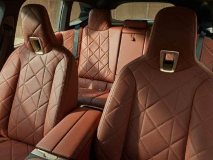 BMW iX (BMW) interni