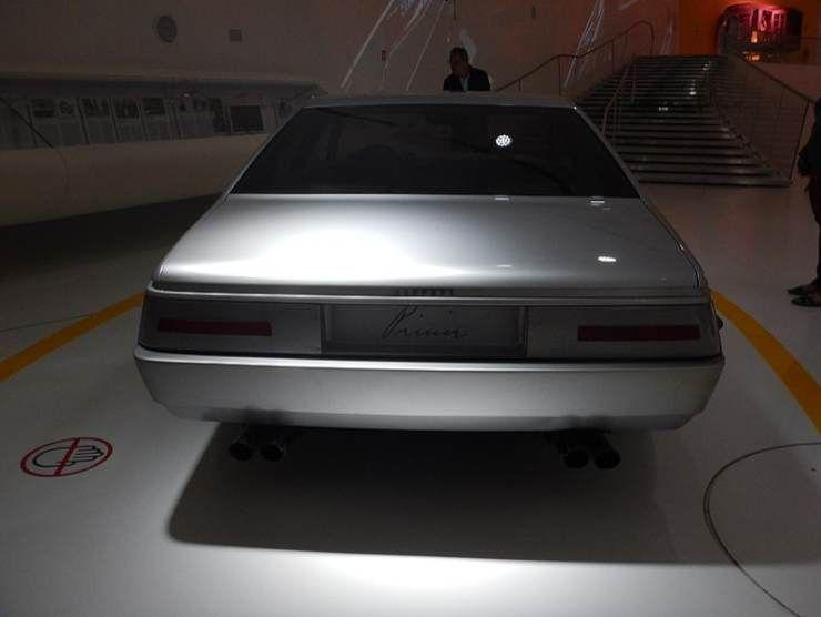 Il retro della Ferrari Pinin (Wikipedia)