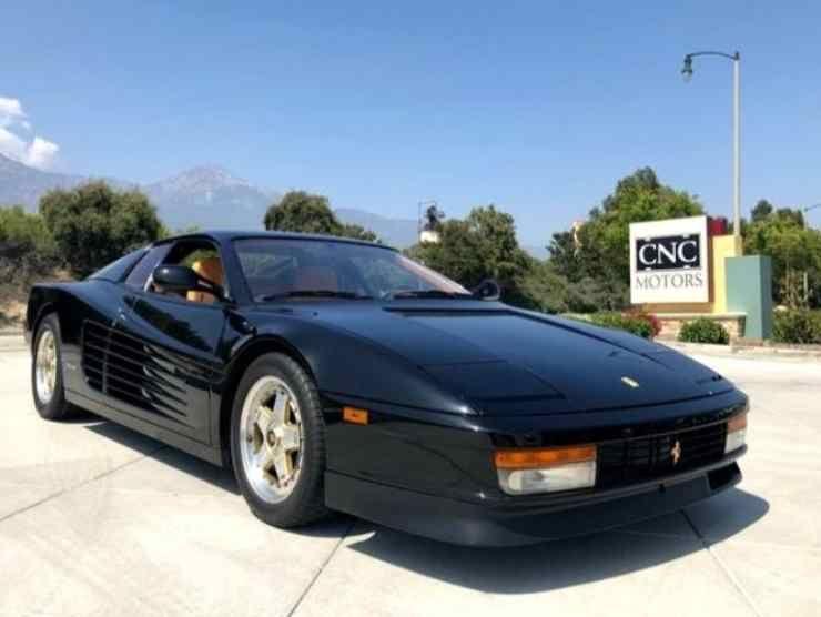 Ferrari Testarossa nera (James Edition)