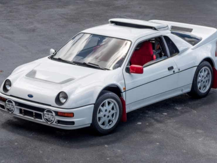 Ford RS200 (Bring Trailer)