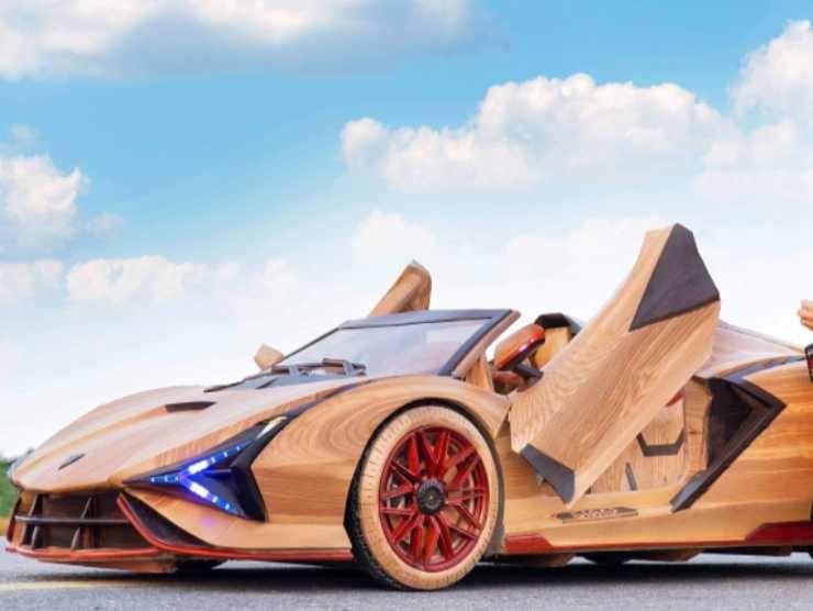 Lamborghini in legno (Facebook) 2