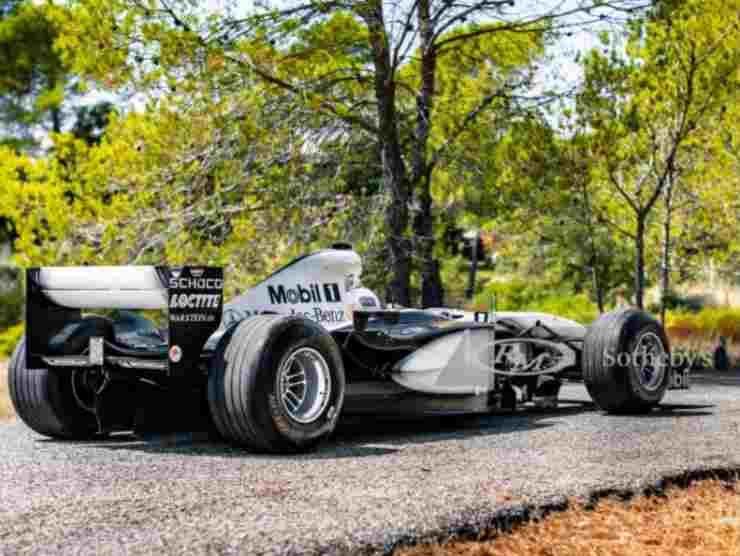 McLaren MP4-17 (RM Sotheby's) 2