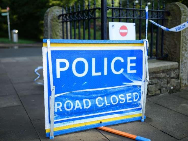 Polizia inglese strada chiusa (Getty Images)