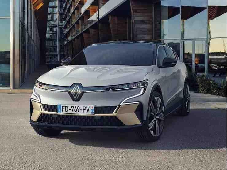 Renault Megane E-Tech Electric 2