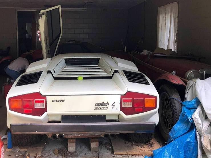 Lamborghini e Ferrari ritrovate
