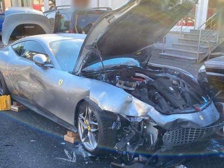 Ferrari Roma Germania impatto incidente