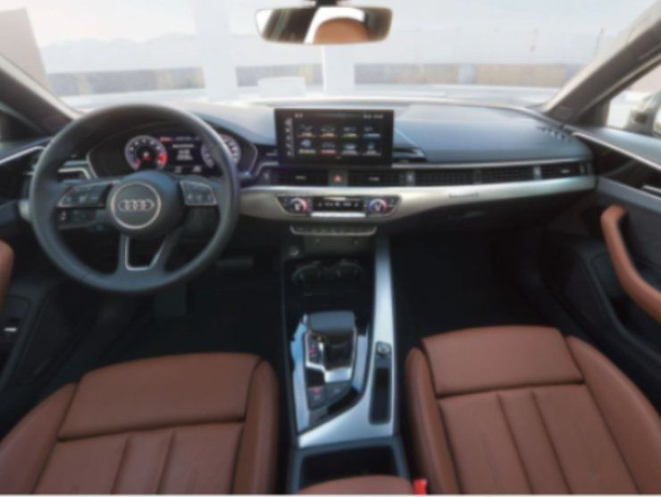 Audi A4 (Audi) 4