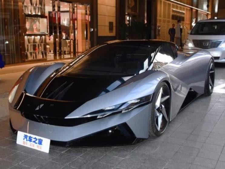 Ferrari, Bugatti e Lamborghini tremano, arriva la supercar cinese da 2.000 cavalli
