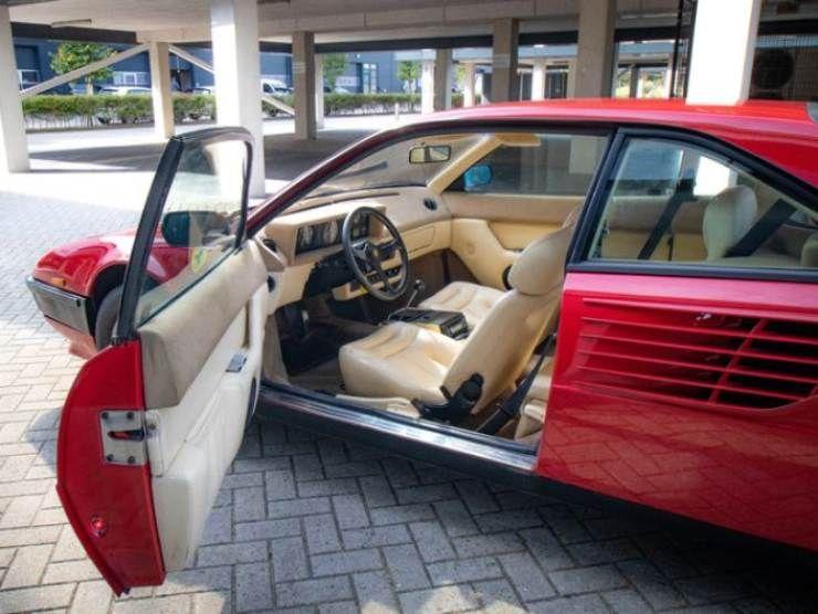 Ferrari Mondial 8 (Katawiki) interni