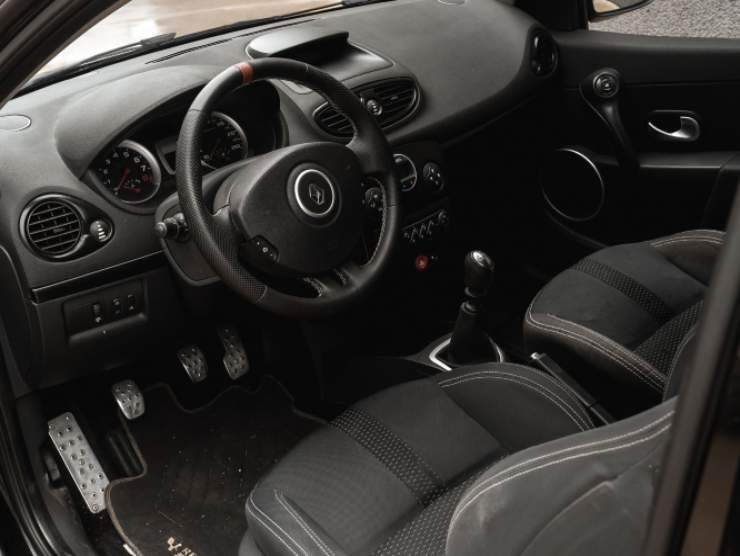 Renault Clio 2.0 RS (Ruote da Sogno) interni